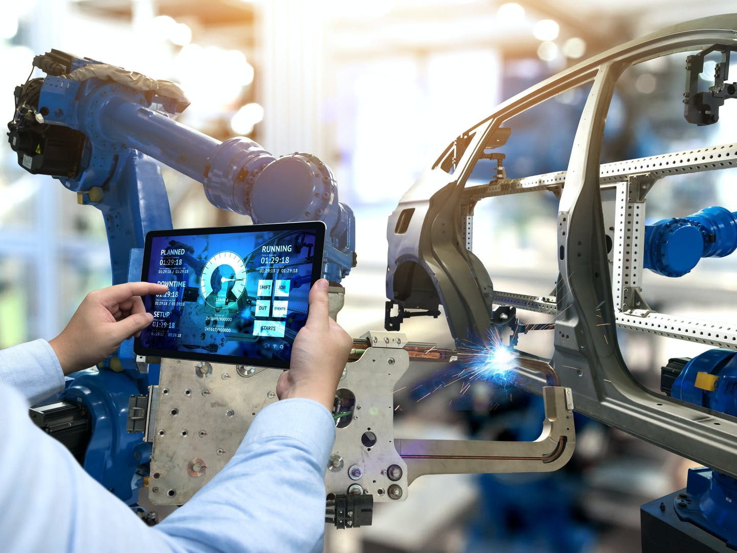 7 ways manufacturing technology has helped transform the auto industry
