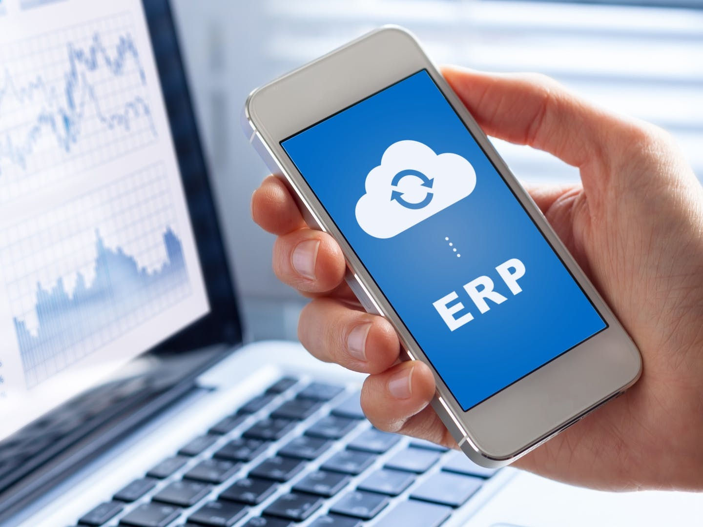 9 reasons why your business should switch to cloud based erp system