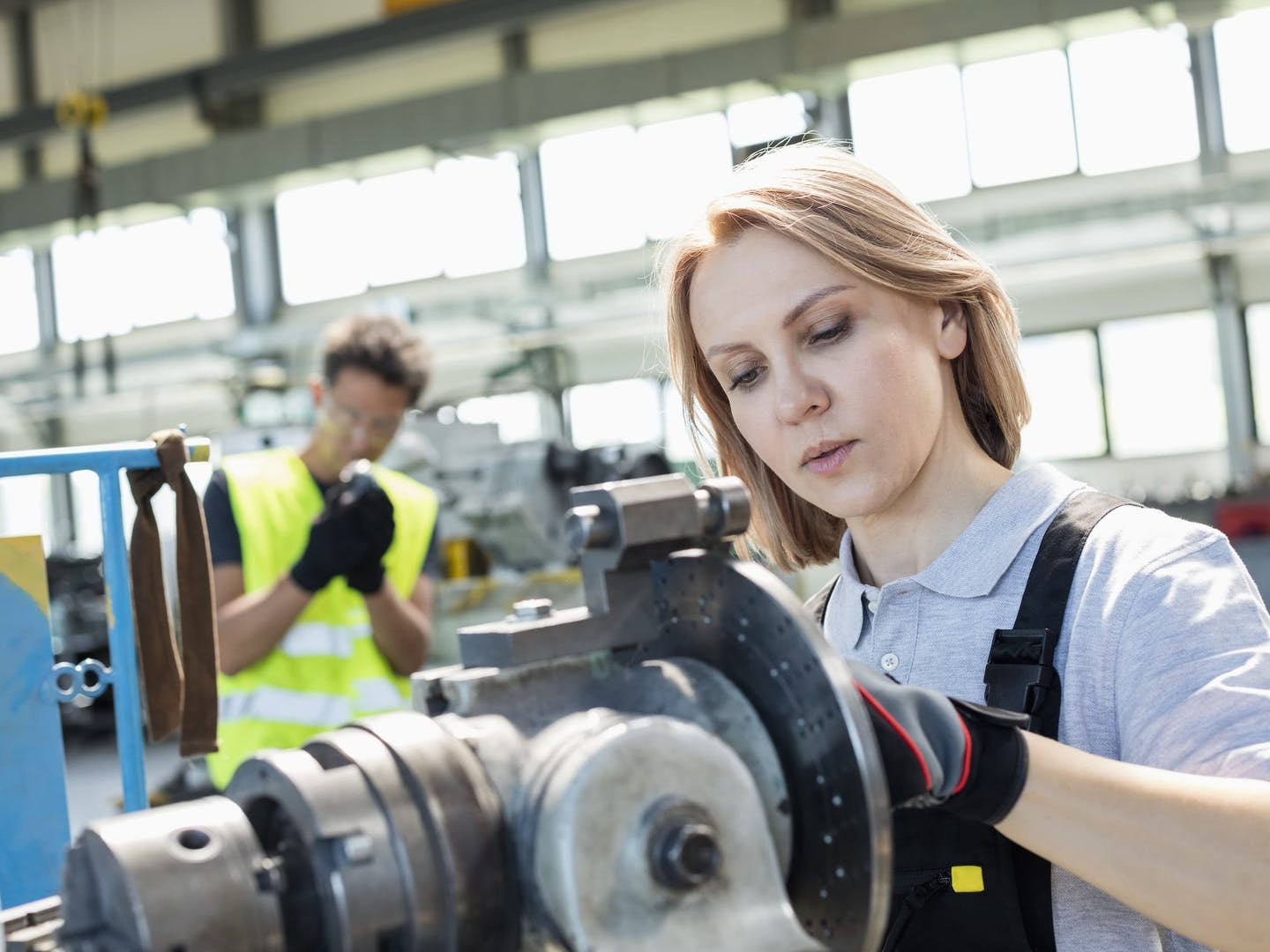 Manufacturing job growth trends in canada